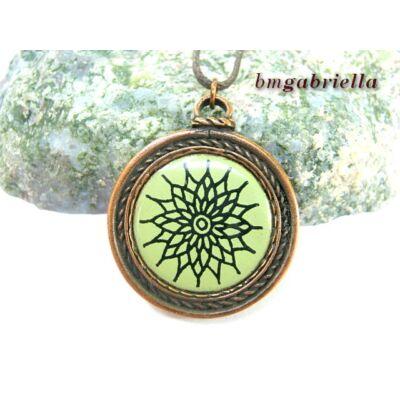 Zöld sugaras - tűzzománc betétes medál