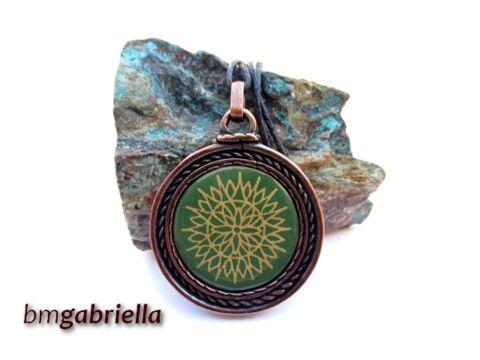 Zöld virágos - tűzzománc medál - egyedi tervezésű kézműves ékszer