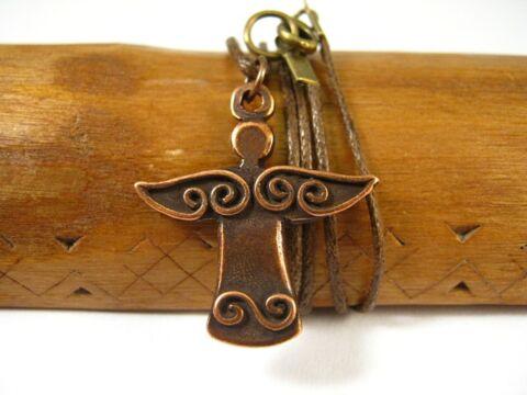 Kisangyal medál - egyedi tervezésű kézműves ékszer