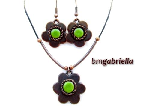 Zöld alandor - egyedi tervezésű kézműves ékszerszett - tűzzománc fülbevaló, medál
